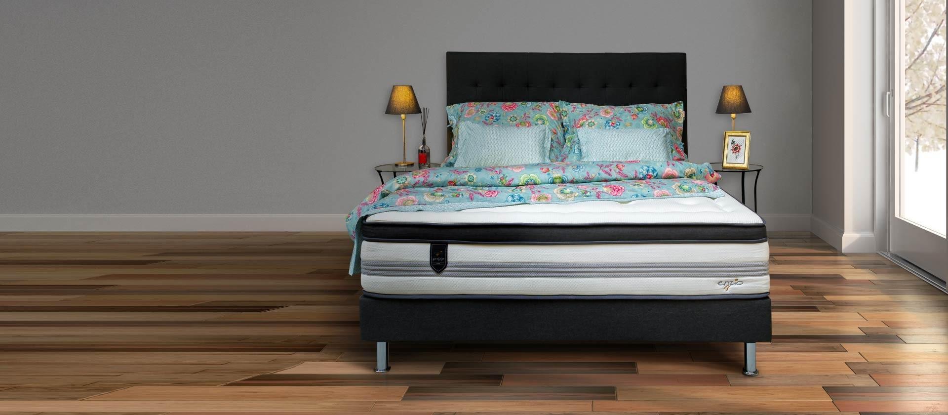 Łóżko Charles z materacem Cashmere Queen