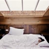 8 porad dla idealnego snu w okresie zimowym – I część