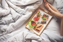 Męczy Cię przegrzewanie się w łóżku w trakcie letnich miesięcy? Stop nieprzespanym nocom.